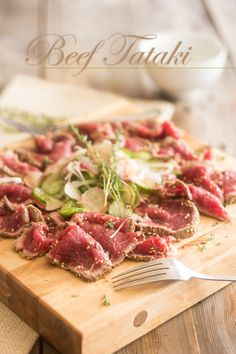 Beef Tataki | thehealthyfoodie.com Find ponzu sauce and the boy n I  would be h a p p y!