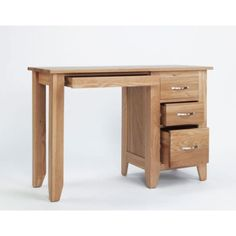 Sherwood Oak Pedestal Dressing Table - The Sherwood Oak Pedestal Dressing Table is from without doubt the best value for money contemporary light oak furniture collection available on the UK market. The Sherwood Oak furniture range has been made using onl Dressing Table For Sale, Dressing Table Wooden, Dressing Tables, Light Oak Furniture, Oak Bedroom Furniture, Lacquer Furniture, Selling Furniture, Quality Furniture, Wooden Makeup Vanity