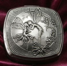 love this antique compact - what a great idea to fill it with solid perfume!  from #opusoils on #etsy