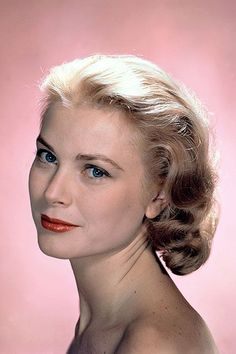 See which celebs gave up acting for a higher calling. Grace Kelly Style, Princess Grace Kelly, Monaco, Mae West, Pure Beauty, Classic Beauty, Royal Beauty, Brigitte Bardot, Twiggy