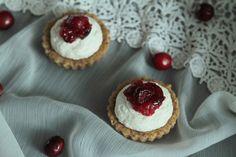 U Tytyny: Tartaletky s javorovým sirupem a brusinkami Cheesecake, Therapy, Cupcakes, Baking, Food, Cupcake Cakes, Cheesecakes, Bakken, Essen