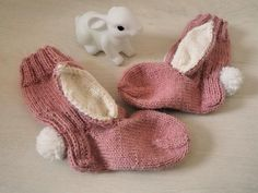 Pupusukat sekä ohje pupureppuun! - Punatukka ja kaksi karhua Slippers, How To Make, Diy, Shoes, Fashion, Bebe, Moda, Zapatos, Bricolage