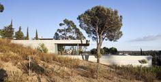 House in Pedrogão Modern Home in Leiria, Leiria, Portugal by Paulo… on Dwell