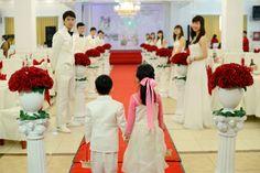 A modern Vietnamese wedding in the city