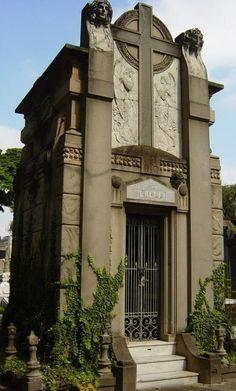 Araçá Cemetery - St. Paul - Brazil