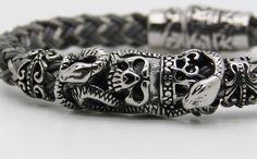 bracelet homme acier cuir tressė crâne skulls pour beaux mecs .Modèle dêposé : Bijoux pour hommes par made-with-love-in-aiacciu