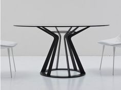 Table ronde en cristal MITOS By Nube Italia design Giuliano Cappelletti Furniture Dining Table, Round Dining Table, Dining Room Table, Table Legs, Table And Chairs, Table Inox, Mesa Metal, Italia Design, Contemporary Dining Table