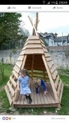 Teds wood working pallet projects diy outdoor teepee for a kids 27 super cool diy reclaimed wood projects for your backyard landscape homesthetics decor solutioingenieria Images