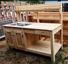 An idea for a potting bench Garden sink, Outdoor potting bench, Potting bench with sink, Garden work