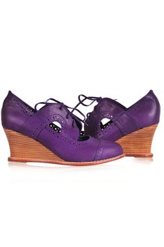 Purple color leather booties This purple shoe could be made as a flat. Oxford Wedges, Oxford Booties, Oxford Heels, Oxfords, Leather Ballet Flats, Leather Booties, Elf Shoes, Purple Accessories, Simple Shoes