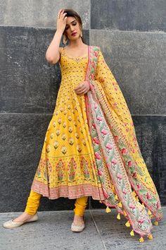 Buy Antara Set by Anita Dongre at Aza Fashions - Indian designer outfits - Anarkali Dress, Pakistani Dresses, Anarkali Suits, Indian Dresses, Pakistani Kurta, Cotton Anarkali, Anarkali Churidar, Patiala, Punjabi Suits
