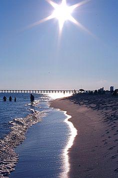 Pensacola Beach, Santa Rosa Island, Florida tenemos el plan ideal de viaje, para visitar la FLORIDA EU. Cotiza y reserve a traves de nuestra cuenta o en www.sunbeachcali.com
