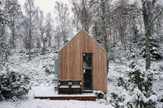 Inshriach Bothy Studio, Cairngorms National Park, Scotland - Photographer: Johnny Barrington
