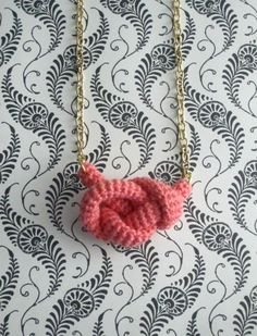 Bonds, crochet knot necklace. Nautical knot.