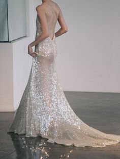 sparkling backless wedding gown