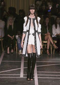 Givenchy - Femme-Printemps été 2015 - Défilé