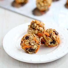 No-Bake Carrot Cake Granola Bites Recipe via @Mrs.Miller' Canuck | Dara Michalski