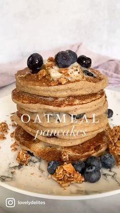 Oat Pancakes Vegan, Vegan Pancake Recipes, Banana Oat Pancakes, Healthy Breakfast Recipes, Healthy Baking, Fun Baking Recipes, Vegan Recipes, Snack Recipes, Cooking Recipes