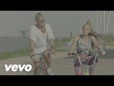 La bicicleta Carlos Vives y Shakira video oficial - Música y Libros - ELTIEMPO.COM