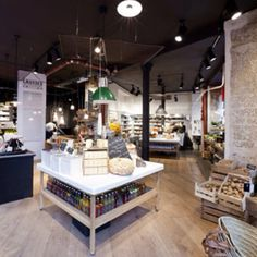 Causses - If, like us, you are not a huge fan of fast food then you might really like this Parisian slow food temple. Causses, is a unique grocery concept store Fashion Retail Interior, Deli Shop, Gourmet Bakery, Bakery Store, Organic Market, Supermarket Design, Food Retail, Retail Concepts, Bar Lounge