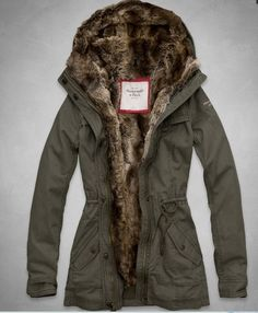 NWT Abercrombie & Fitch A&F Women's Hallie Parka Jacket Fur Lined Ourterwear