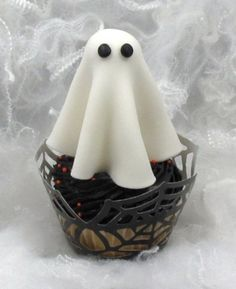 Dum Dum lolly ghost cupcake