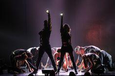 Julianne Hough Photos - Derek Hough and Julianne Hough: Move Live on Tour - Zimbio