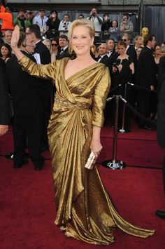 Meryl Meryl Meryl. You are one of the most talented actresses of our generation - so how come all your frocks are so mumsy ...and you managed to make a Lanvin look like curtain drapes from the old Majesty cinema?!