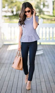 22 Stylish and Gorgeous Work Outfits For Women Over 35 To Inspire You - Summer Work Outfits Summer Office Outfits, Spring Work Outfits, Casual Work Outfits, Business Casual Outfits, Mode Outfits, Work Attire, Work Casual, Fashion Outfits, Outfit Work