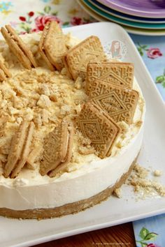 A Creamy, Sweet and Utterly Delicious No-Bake Custard Cream Cheesecake – perfect twist on a Delicious & Classic Biscuit! I have shared a fair few Cheesecake recipes now, but this is one that people have been probably requesting for over a year. I have always wanted to do it, but my recipe request list from you guys really is SO long, it kinda got pushed to the bottom of the pile… I of course seriously regret this. After making it for my family several times now I really wish I had made it…