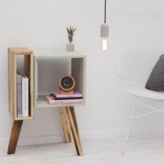 Wonenonline: Beddelicious presents Bedboy X&L: elegant adjustable night Unique Furniture, Home Decor Furniture, Pallet Furniture, Furniture Projects, Diy Home Decor, Furniture Design, Room Decor, Furniture Inspiration, House Design