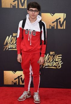 WORST: Brandon Wardell The comedian should probably trade his sweats and dirty sneakers in for something a bit more red carpet-ready next time. Old Comedians, Red Carpet Ready, Mtv Movie Awards, Famous Faces, Mens Clothing Styles, The Best, Nice Dresses, Fashion Outfits, Suits