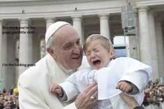 """Papa Francisco y su """"Mini Me"""" Papa Francisco, Freddy Krueger, Katy Perry, Pope Costume, Reasons Kids Cry, Angelus, Ok Kid, Cool Pictures, Funny Pictures"""
