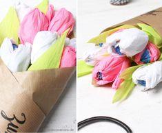 Love Decorations: DIY Tulpenstrauß mit Bonbons gefüllt zum Muttertag
