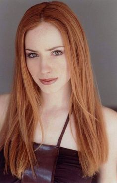 Jaime Ray Newman, a very beautiful woman. Her natural hair color is light brown. But she uses more copper hair color. caramel and golden hair dye Dark caramel hair color Cinnamon copper hair color Hair Color Caramel, Red Hair Color, Ginger Models, Red Heads Women, I Love Redheads, Red Hair Don't Care, Girls With Red Hair, Ginger Girls, Gorgeous Redhead