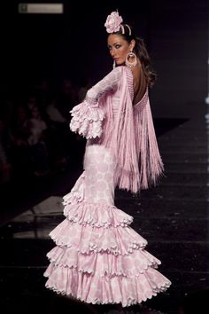 Wappíssima - Simof 2010 - Nuevo Montecarlo - Colección 'Con el alma' Flamenco Costume, Flamenco Dancers, Ankara Gown Styles, Ankara Gowns, Flamingo Dress, Spanish Dancer, Tribal Dress, Everything Pink, Festival Wear