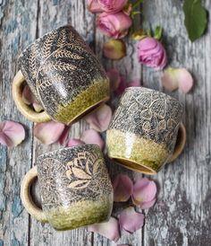 Вчера Лиза Курочкина @qrochka отдала мне этих невероятных красоток 😍😍😍 Привезу их в субботу на @wool_market ✌🏻️ а пока почахну над ними сама 😂😂😂 #wool_market #dishwishes Ceramics, Mugs, Tableware, Instagram Posts, Ceramica, Pottery, Dinnerware, Cups, Dishes