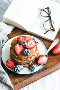 Vegan buckwheat pancakes with almond butter Vegan Buckwheat Pancakes, Breakfast Platter, Breakfast Recipes, Good Food, Yummy Food, Eat This, Food Photography Tips, Photography Tutorials, Homemade Pancakes