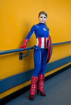 nothing wrong with a little cosplay here and there, especially gender swaps are kinda sexy Cool Costumes, Cosplay Costumes, Captain America Cosplay, Female Captain America Costume, Gender Bend Cosplay, Marvel Jacket, Marvel Cosplay, Anime Cosplay, Cosplay Boots