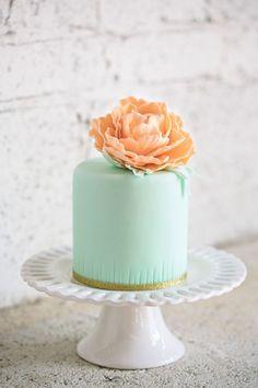 wedding cake idea; photo: Hudson Nichols via Ruffled