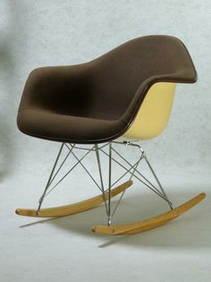 1000 images about call me home on pinterest herman miller eames and sofas. Black Bedroom Furniture Sets. Home Design Ideas