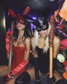 Halloween is a time to pull out some unique Halloween costumes for best friends! So we found some great Group Halloween Costumes for you and your best friends. Look at a list of these super cool Girlfriend Group Halloween Costumes, and you can find s Halloween Costume Diy, Halloween Inspo, Disney Halloween, Halloween 2019, Halloween Outfits, Halloween College, Playboy Bunny Costume Halloween, Halloween Parties, Halloween Decorations