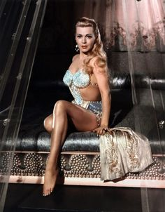 Lana Turner Holy crap- She is a dead ringer for Jennifer Love Hewitt in this photo! Right??
