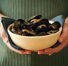 Steamed Mussels with Wine, Garlic & Parsley - Fine Cooking Recipes, Techniques and Tips
