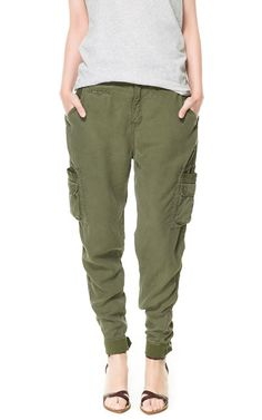 Image 2 of CARGO TROUSERS WITH POCKETS from Zara