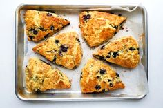 There's nothing quite like a hot freshly baked scone straight from the oven. Perfect with afternoon tea or a hot morning coffee these Easy Blueberry Scones come together really easily. They're buttery, light and airy and the hint of blueberry Mexican Breakfast Recipes, Mexican Food Recipes, Blueberry Scones Recipe, Frozen Blueberry Recipes, Cooking Recipes, Bread Recipes, Nutella Recipes, Cake Recipes, Dessert Recipes