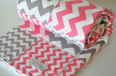 Design your own CHEVRON Quilted Blanket, Pick 2 colors to design your blanket Sewing Crafts, Sewing Projects, Diy Projects, Sewing Ideas, Toddler Quilt, Chevron Quilt, Art Journal Inspiration, Tribal Prints, Baby Sewing