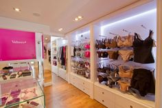 Valisere Batel #www.instorevoyage.com #in-store marketing #visual merchandising