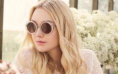 Download wallpapers Dakota Fanning, American actress, 4k, portrait, fashion model, girl in glasses