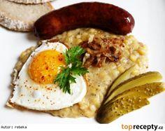 Hrachová kaše s cibulkou Czech Recipes, Ethnic Recipes, Hummus, Food Videos, Real Food Recipes, Risotto, Sausage, Food And Drink, Treats